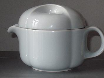 Soßenkanne? Milchkanne? Teekanne?